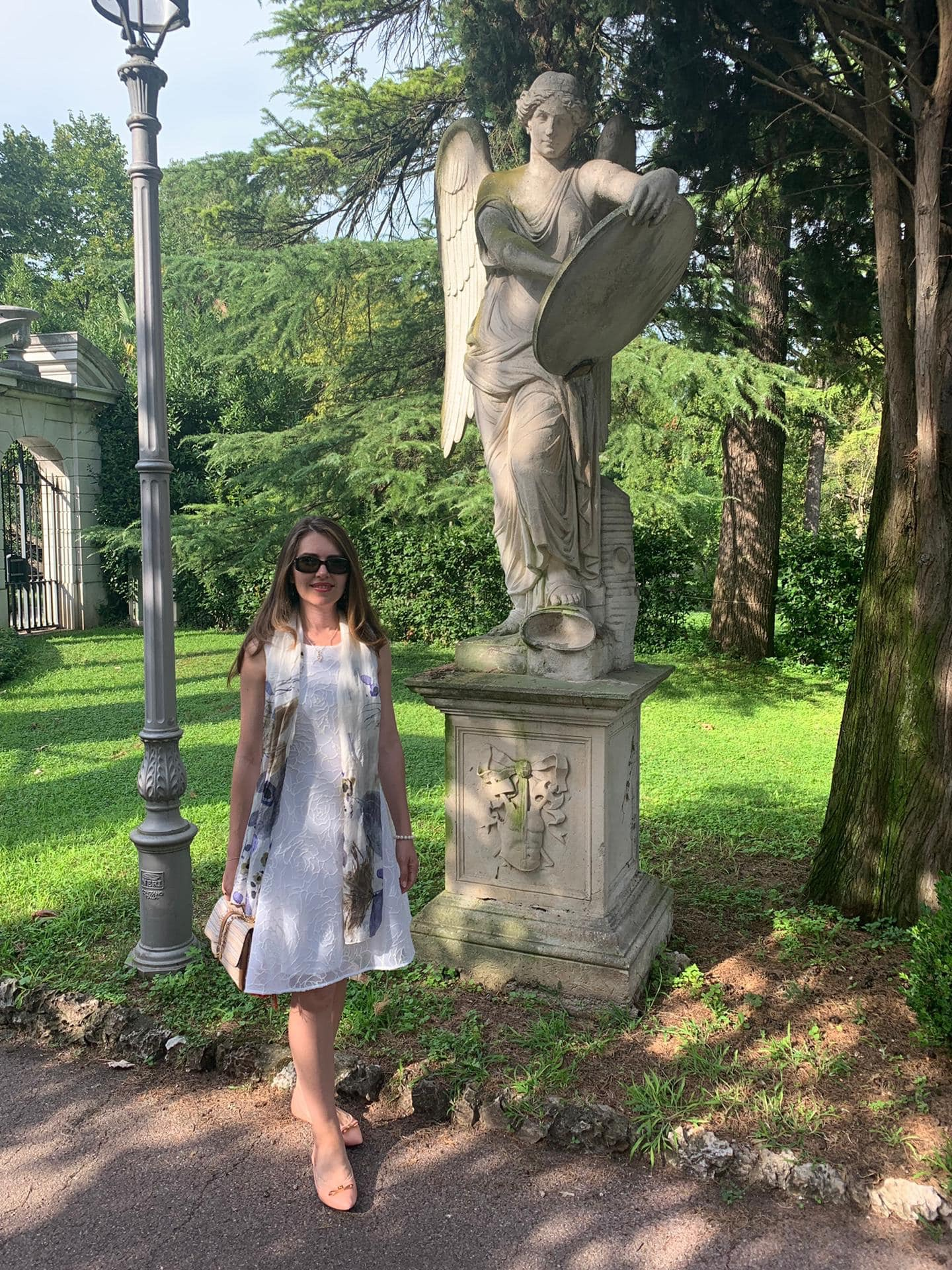Вила на свещено място в Италия